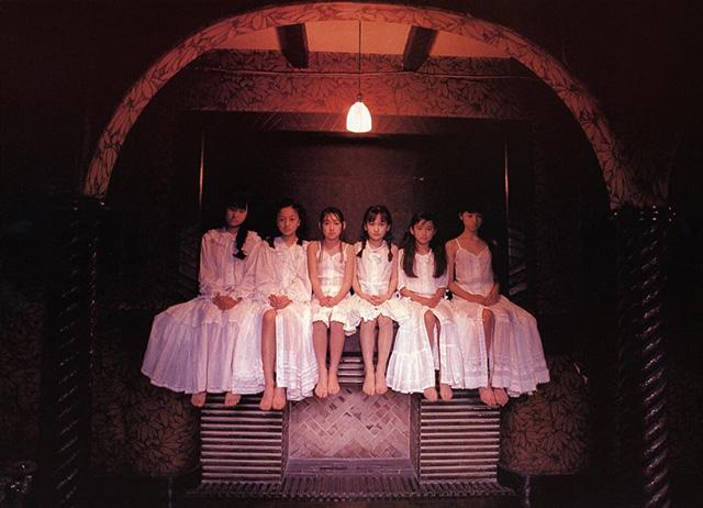 水谷妃里、安藤希、宮沢りえ、樋口可南子などの少女モデルもまたほとんど人気物になった。 1975年
