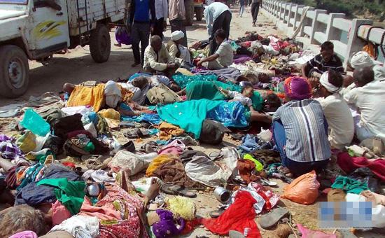 インド中部で将棋倒し、200人超死傷